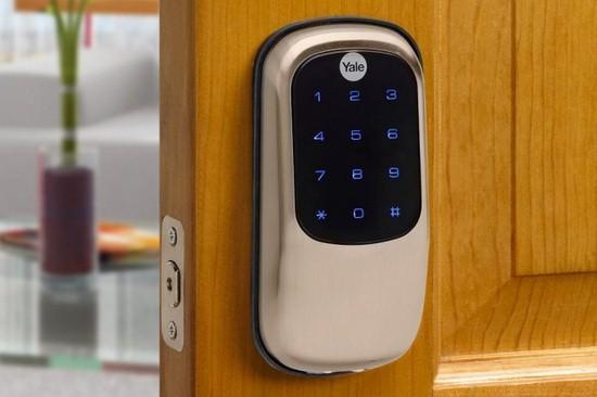 Yale T1L智能门锁上手:可与智能灯泡等联动