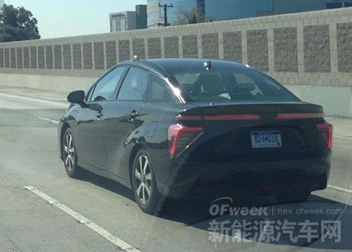 丰田氢燃料电池汽车路试照曝光 外观太土?